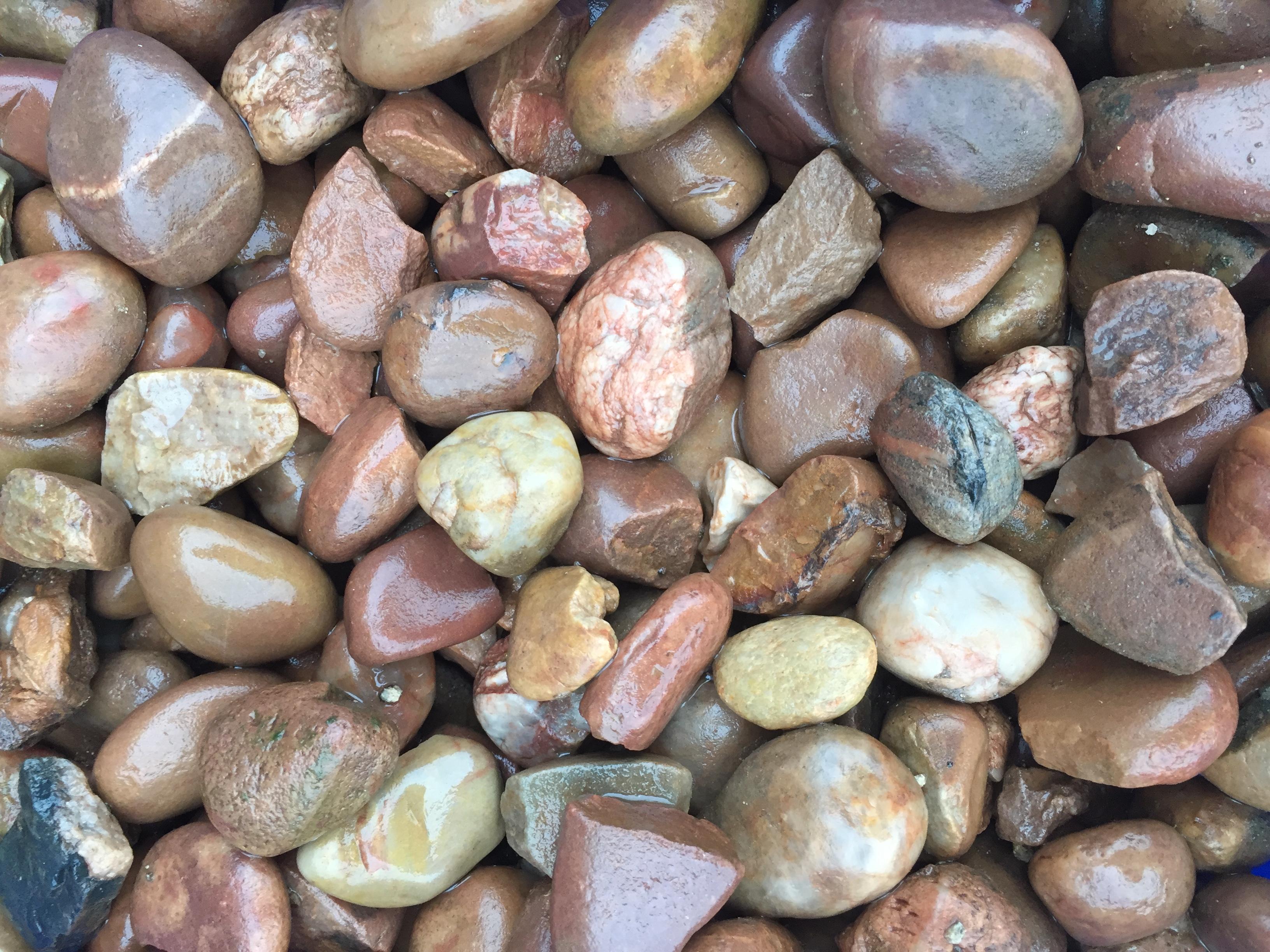 30-50mm Devonshire Pebbles (Wet)